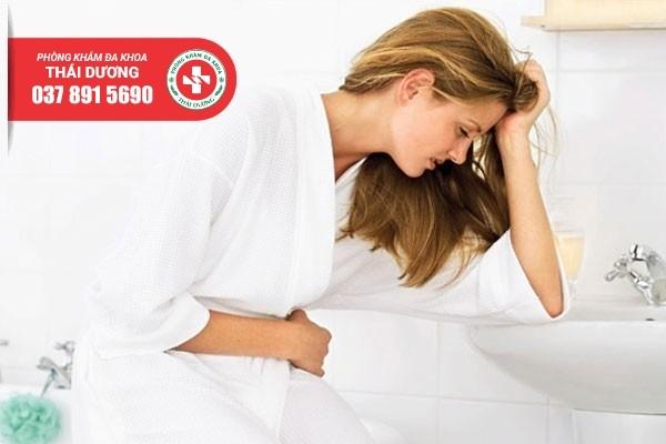 Rối loạn tiểu tiện là dấu hiệu viêm đường tiết niệu điển hình ở nữ giới