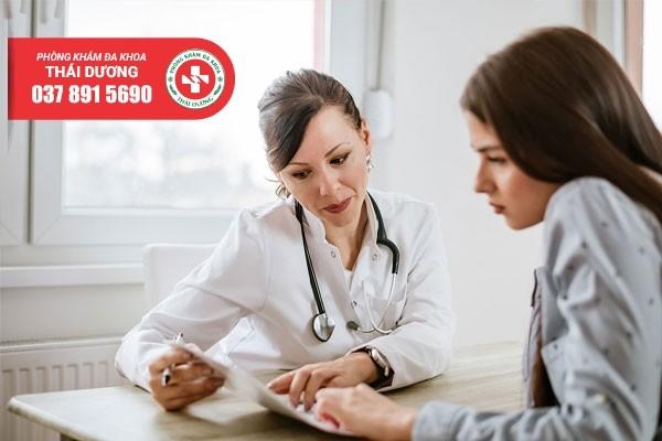 Bác sĩ tư vấn cho chị em trước khi phá thai