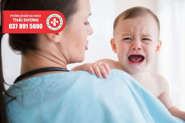 Điều trị viêm bao quy đầu ở trẻ sơ sinh tùy vào nguyên nhân gây bệnh